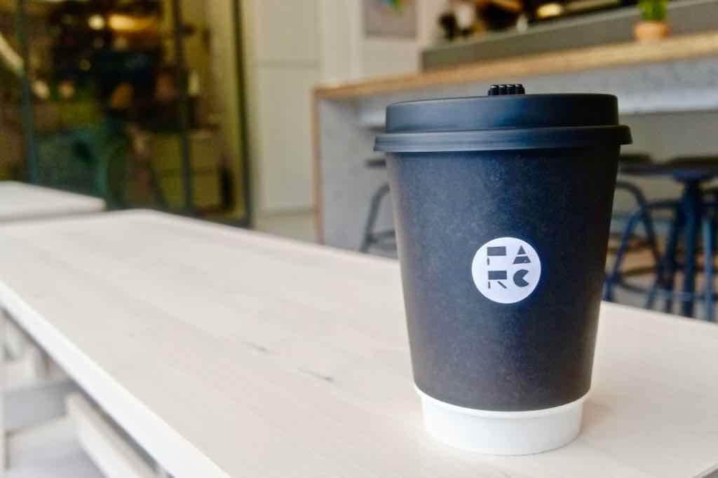 松江南京美食|PARC 泊咖啡,簡約大氣的咖啡館,咖啡豆也自己烘-捷運松江南京站