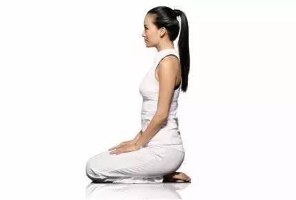 跪膝|大補肝臟、引血下行、減肥的絕妙方法!